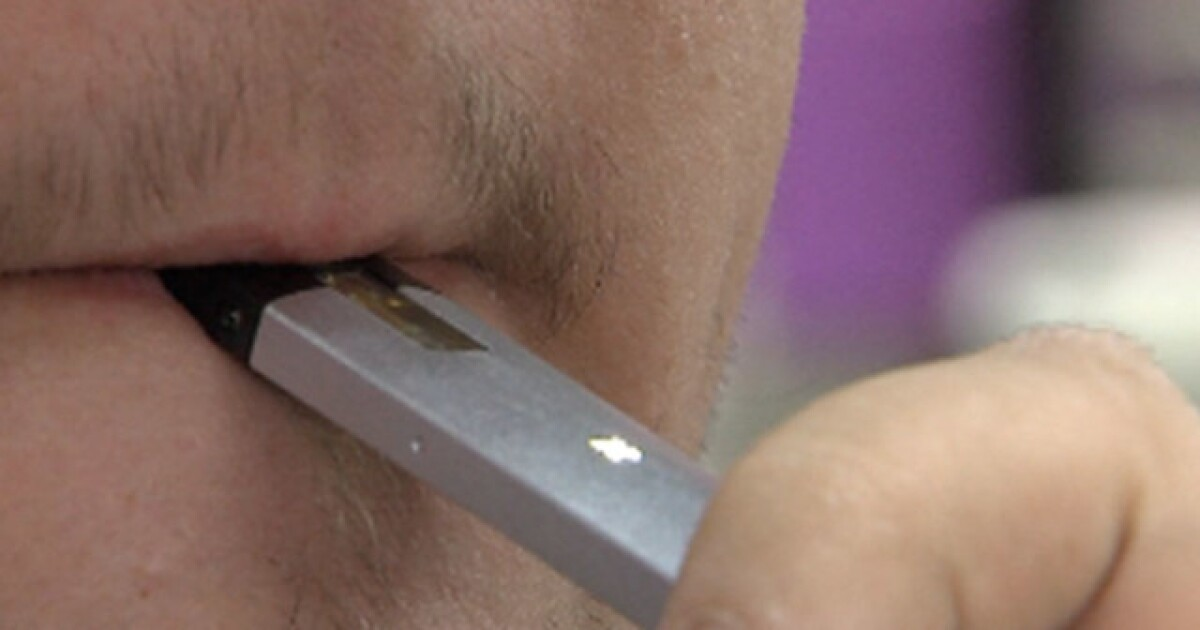 Lawsuit filed against e-cig company, claiming lung damage