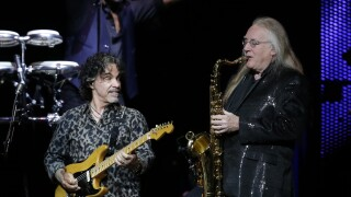 Daryl Hall and John Oates in Concert - Glendale, AZ