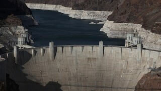 Hoover Dam bridge shut down after report of man with gun