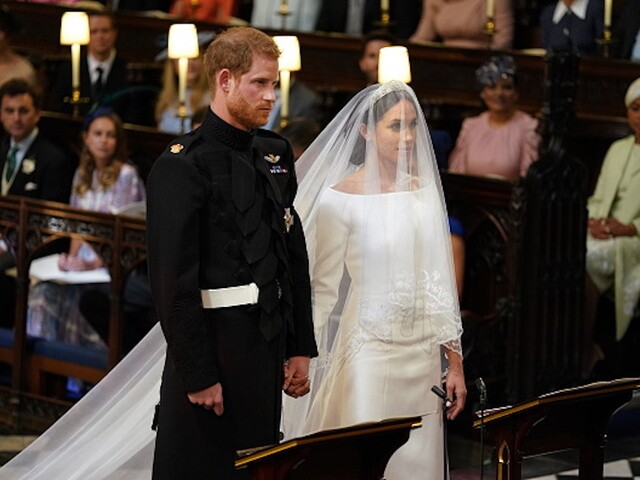royal wedding see photos of meghan markle s stunning wedding dress royal wedding see photos of meghan