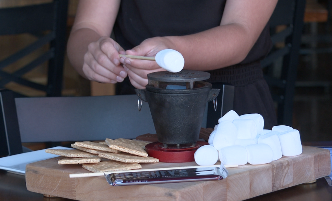 Blackberry's offers tableside DIY s'mores