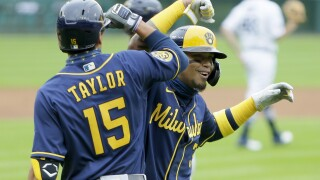 Brewers hit five homers and eight doubles, embarrassing Tigers 19-0