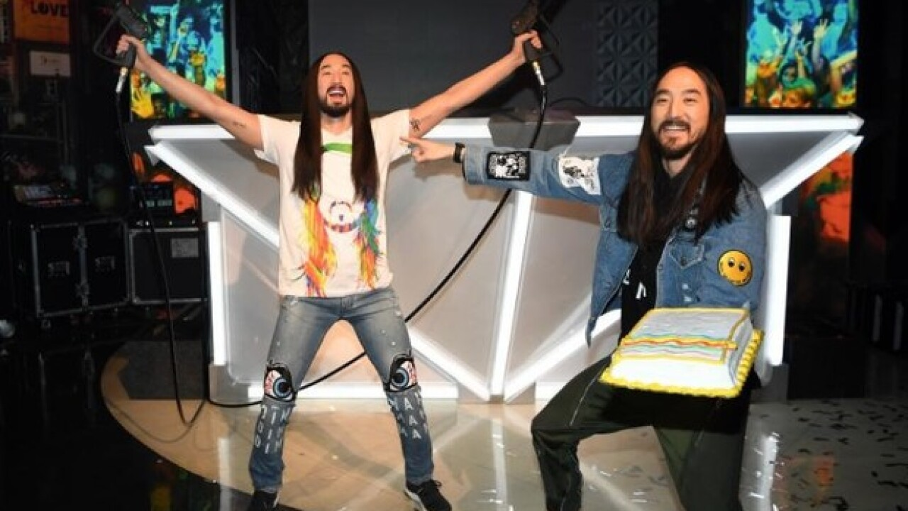 Steve Aoki 'cakes' his own wax figure