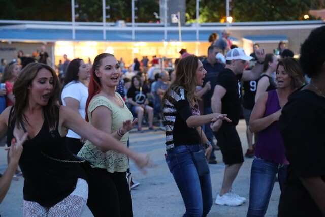 Awesome Summerfest Dancing Machines