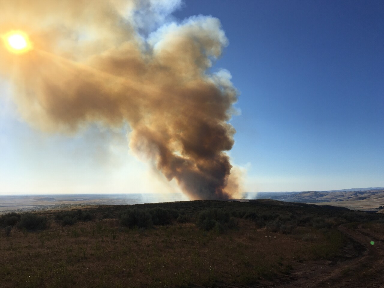 Wildfire near Lucky Peak Reservoir