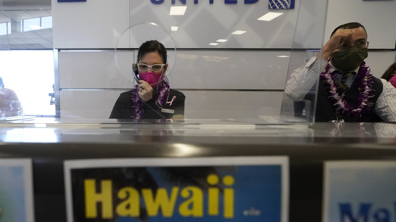 Couple knew they had COVID-19 and boarded a plane to Hawaii anyway, police say