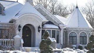Home Tour: 'Designer to the stars' turned this house into a high-end showpiece