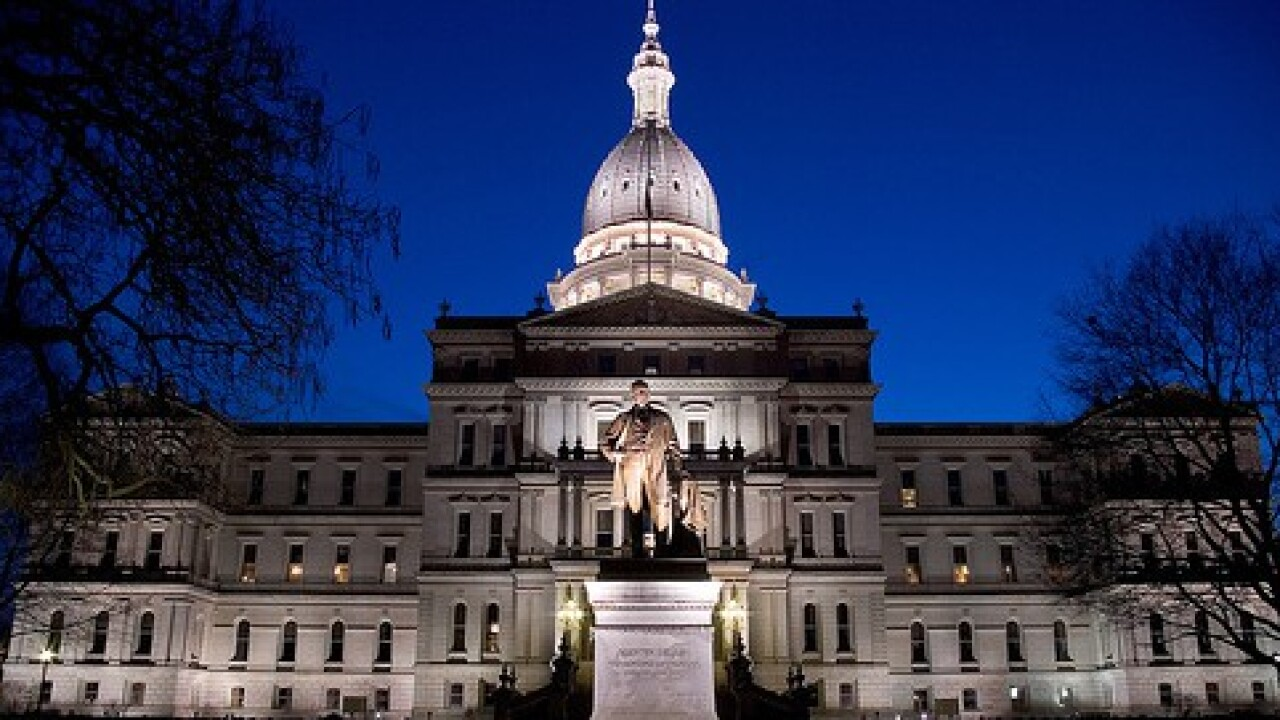 Michigan Legislature approves Uber, Lyft bills
