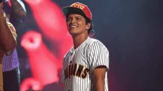 Bruno Mars providing 24K Thanksgiving dinners