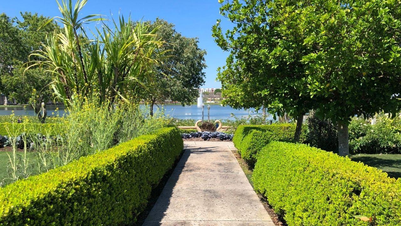 hollis-gardens-lakeland3.jpg