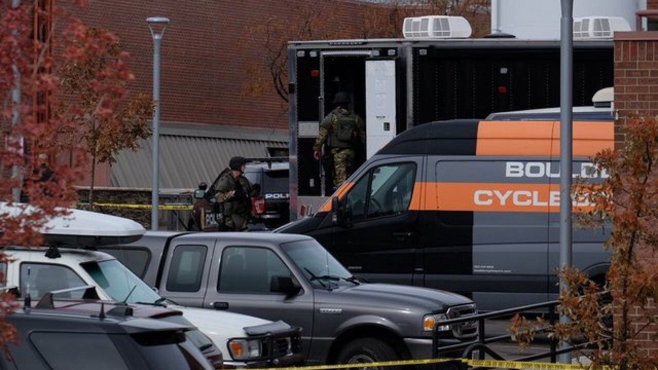 Police, SWAT take suspect int custody after hostage situation inside Colorado hair salon