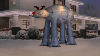 Light Up Your Yard This Christmas With Giant 'Star Wars' Inflatables