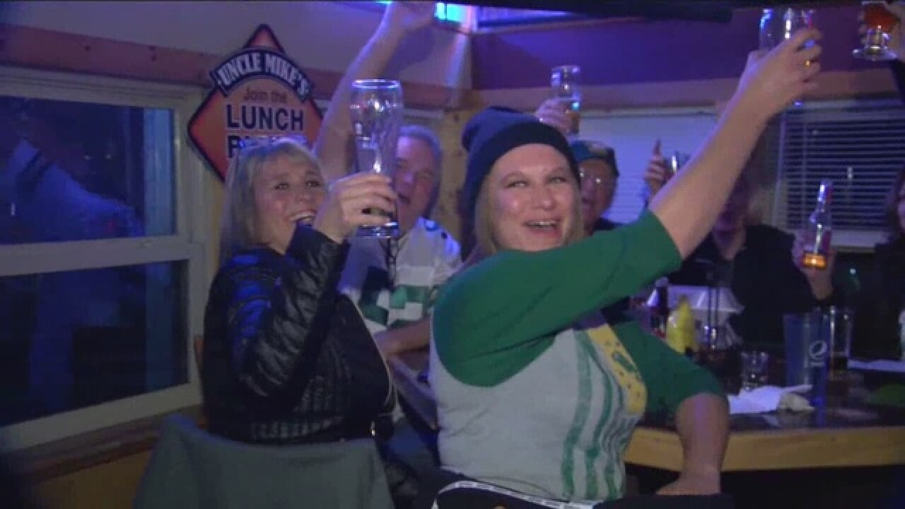Packers break losing streak, fans react