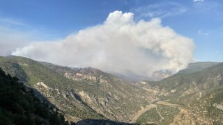 Grizzly Creek Fire 3,702 acres, 0% contained Wednesday morning after jumping I-70 to south