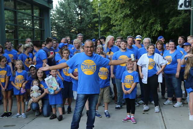 """Milwaukee fans are catching a case of """"Brewers Fever"""" [PHOTOS]"""