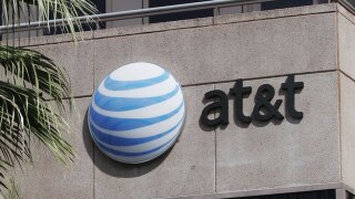 AT&T responds to mass cellular outage