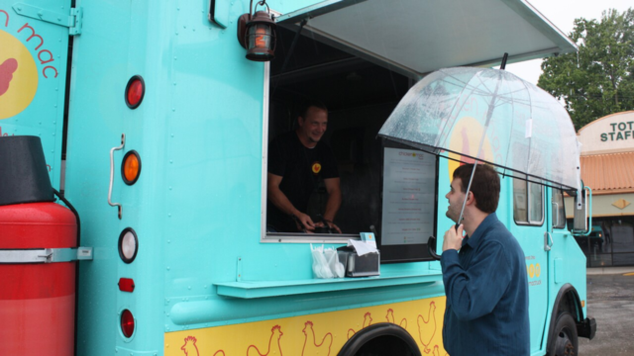 Mac and cheese food truck tours Cincy streets