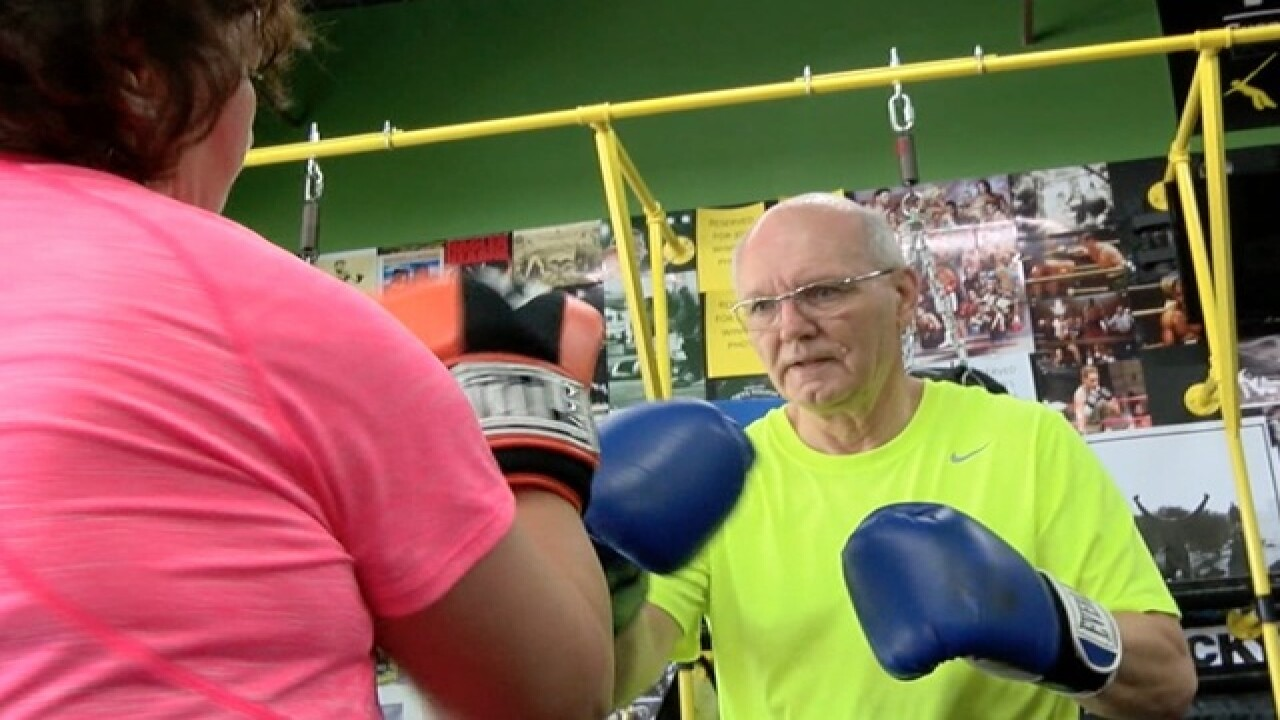 Parkinson's patients fight disease with boxing