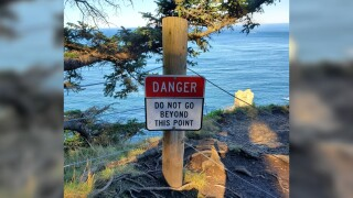 Hiker falls to death trying to take scenic picture