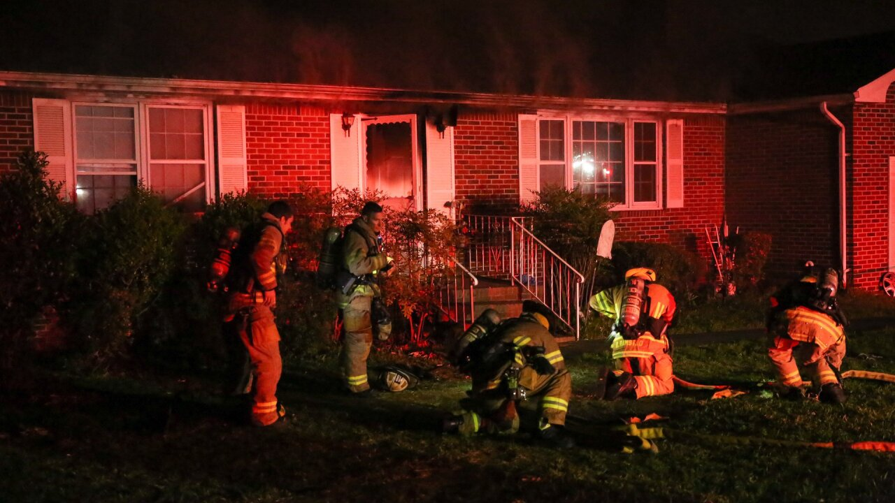 3 people displaced after Virginia Beach house fire