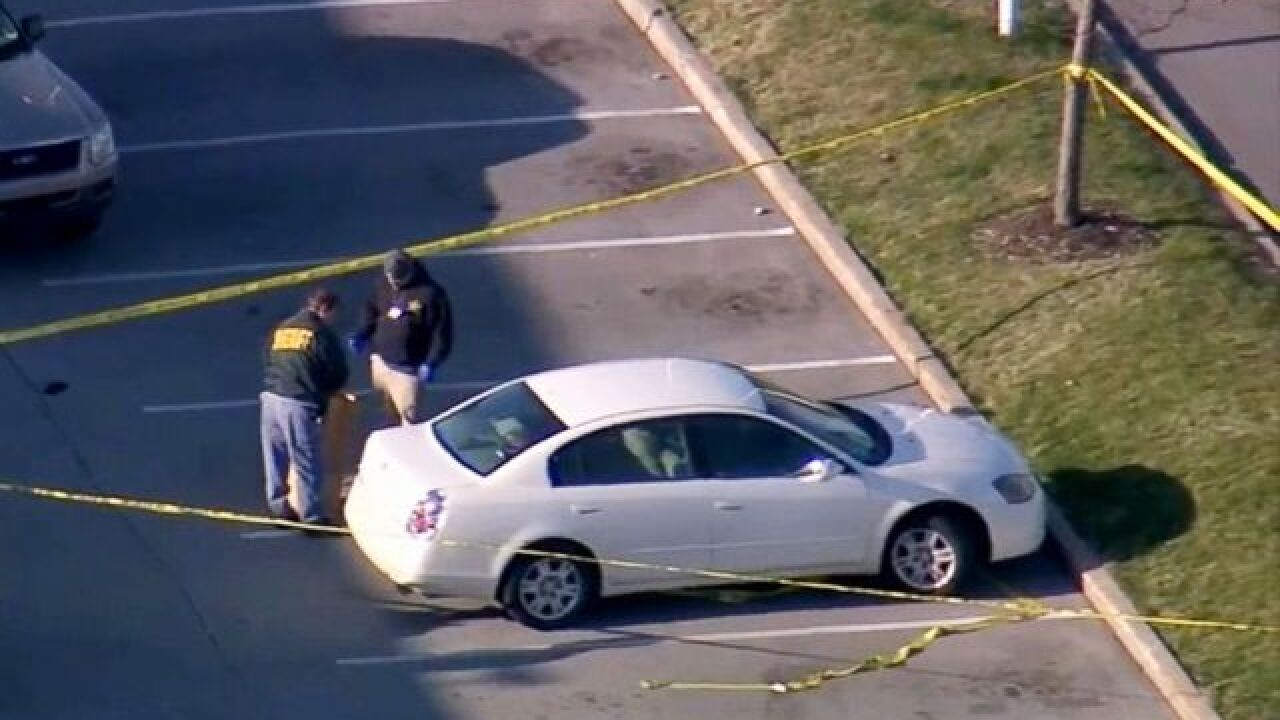 Police: 3-year-old girl accidentally shoots pregnant mother from backseat of car