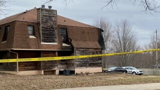 Blue Springs apartment fire