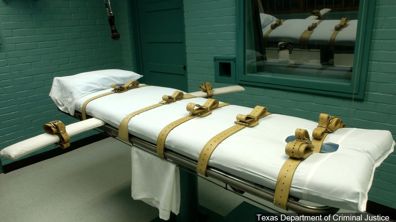 Appeals court halts Texas death row inmate's execution
