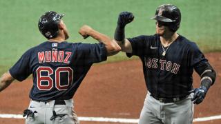 Yairo-Munoz-congratulates-Christian-Vazquez.png