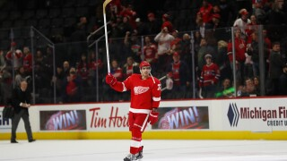 Red Wings complete season sweep of Canadiens 4-3