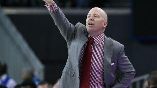 University of Cincinnati men's basketball team starts season in underdog role
