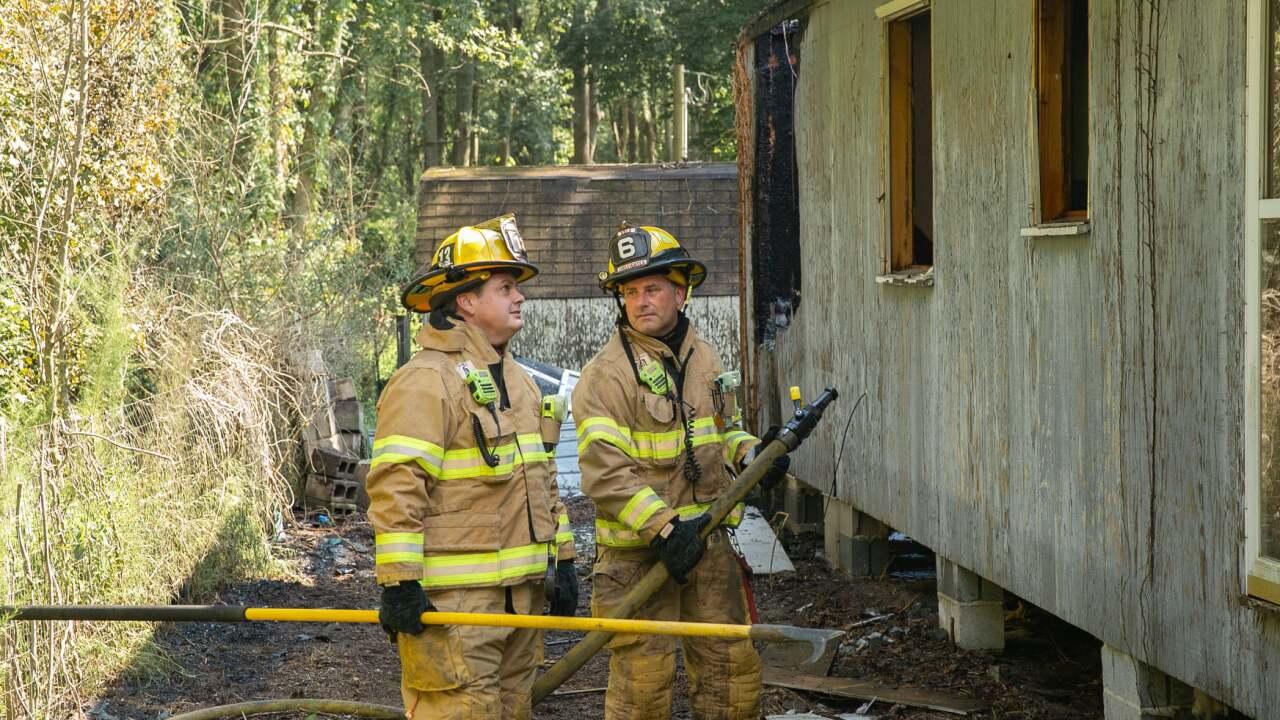 VB 1500 Back Bay Landing Road abandoned house fire (August 25) 5.jpg