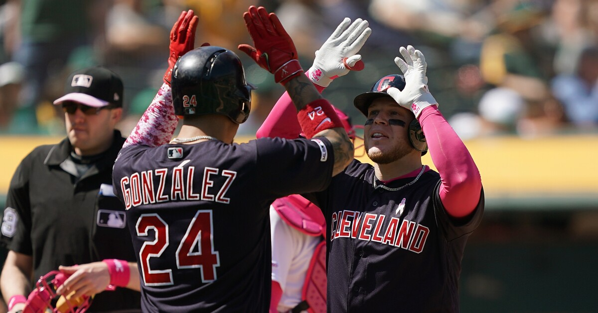 Lindor dedicates game to moms on Mother's Day, Indians defeat A's 5-3