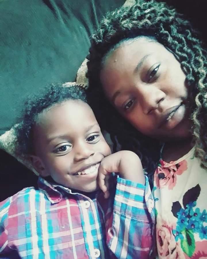 Toneja_Motley_with_son_Messiah.jpg