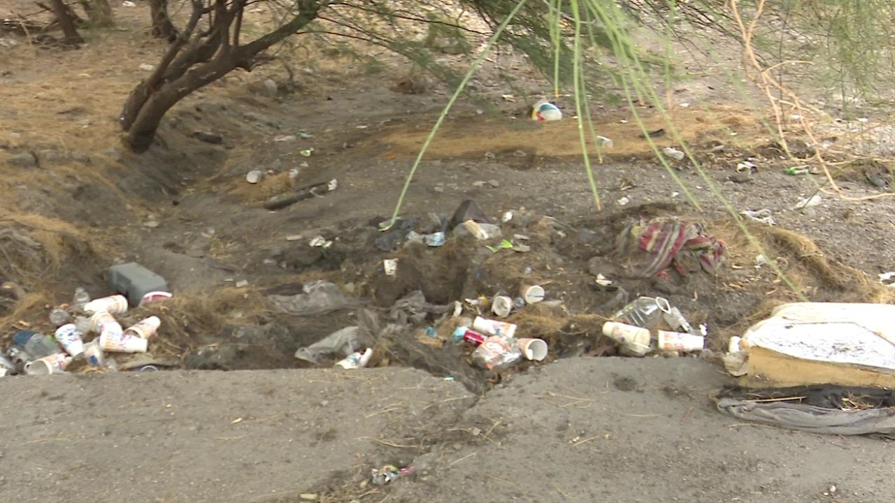 Good Samaritans clean Rillito River wash ahead of big storm