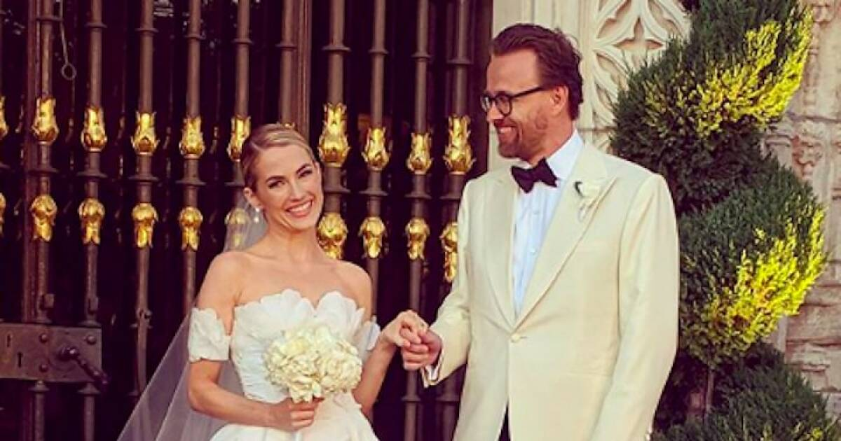 Amanda Hearst gets married at the famed Hearst Castle in San Simeon over the weekend.