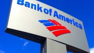Bank: Customers can keep $100 bills from ATM