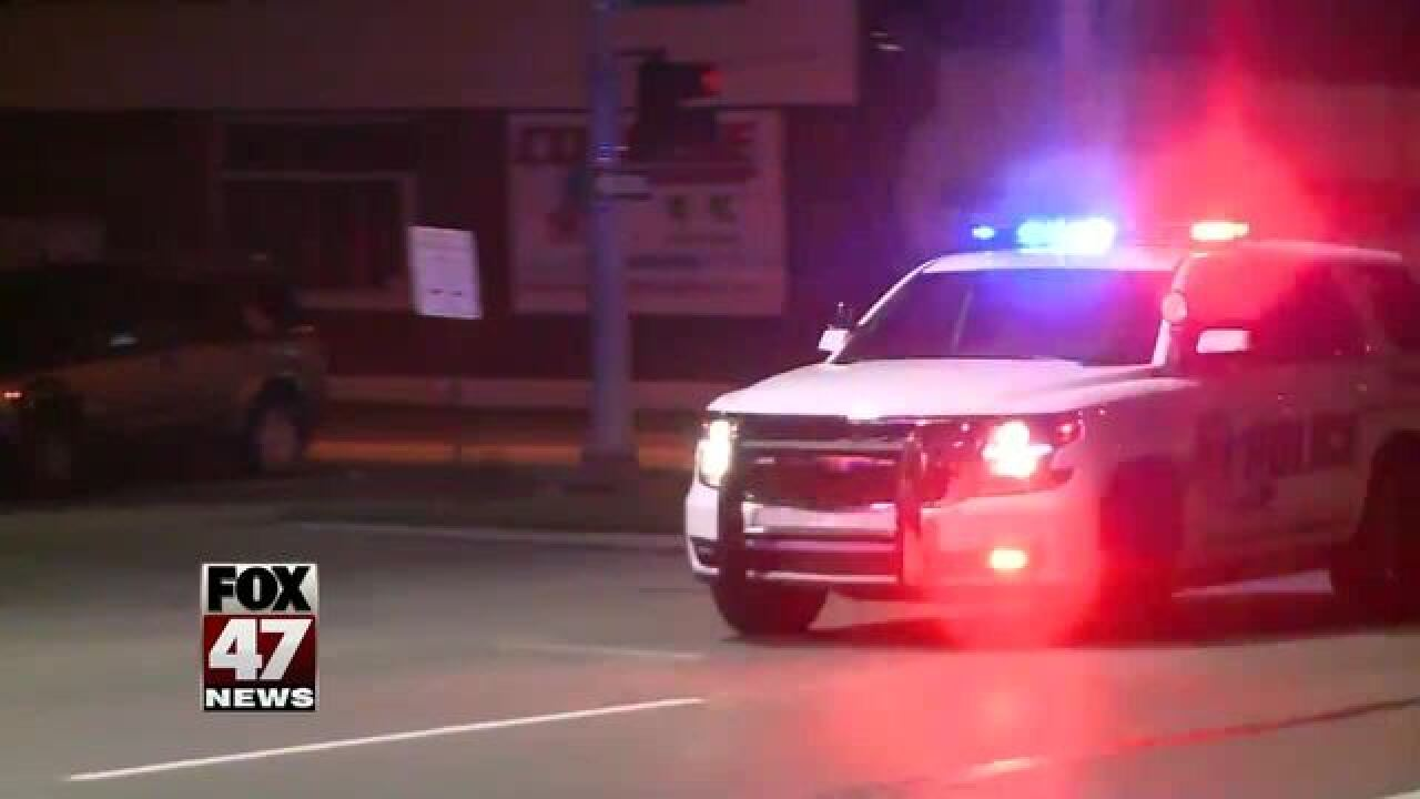 2 men hurt in overnight stabbing in Lansing