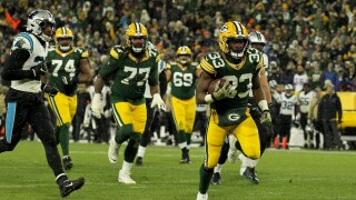 Aaron Jones scoring touchdown