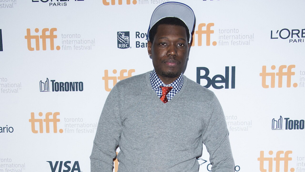 SNL star Michael Che to pay rent for 100+ public housing apartments in New York building