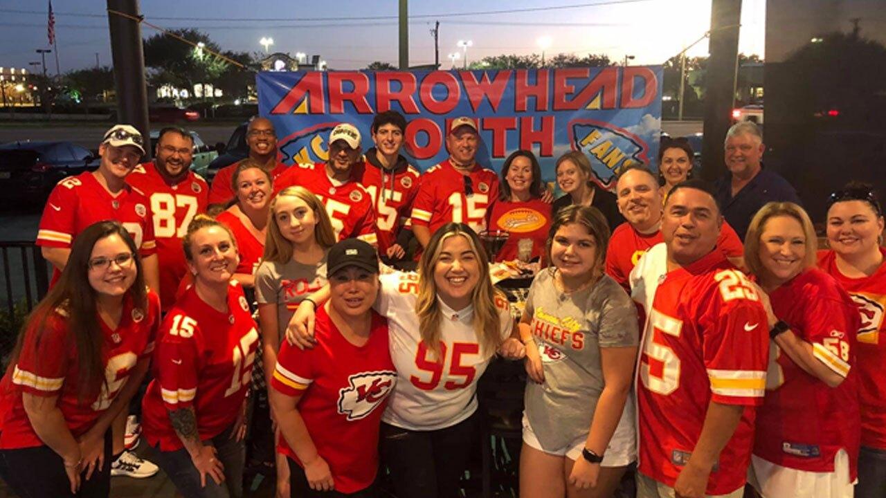 Chiefs-Fans-ARROWHEAD-SOUTH.jpg
