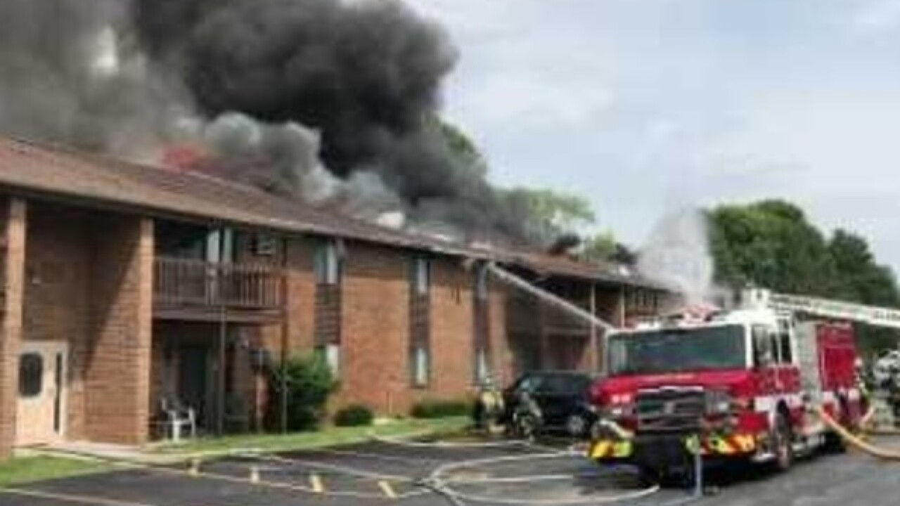 Firefighters battle apartment fire in Green Bay