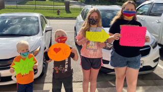 Kids surprise grandma with a sweet message
