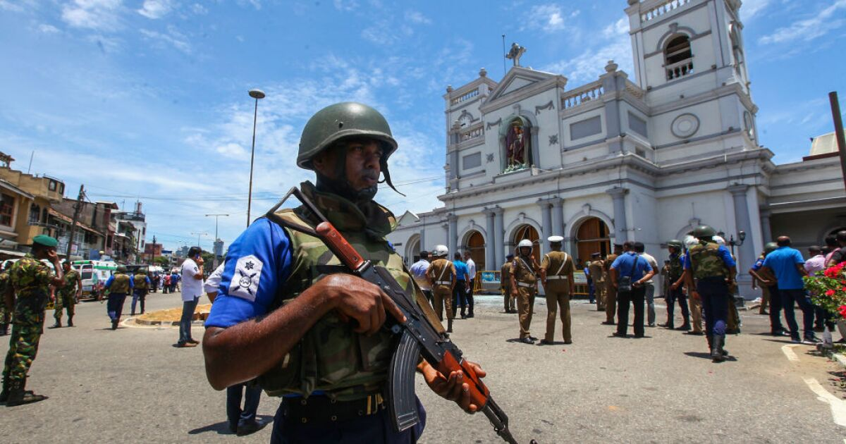 Sri Lanka blocks social media after attacks