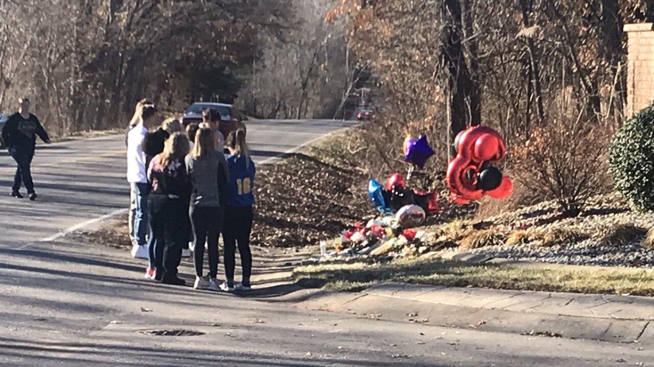 Blue Springs police: Three teens killed in Saturday crash