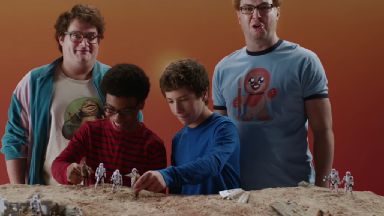 "SNL pokes fun at grownup ""Star Wars"" collectors"
