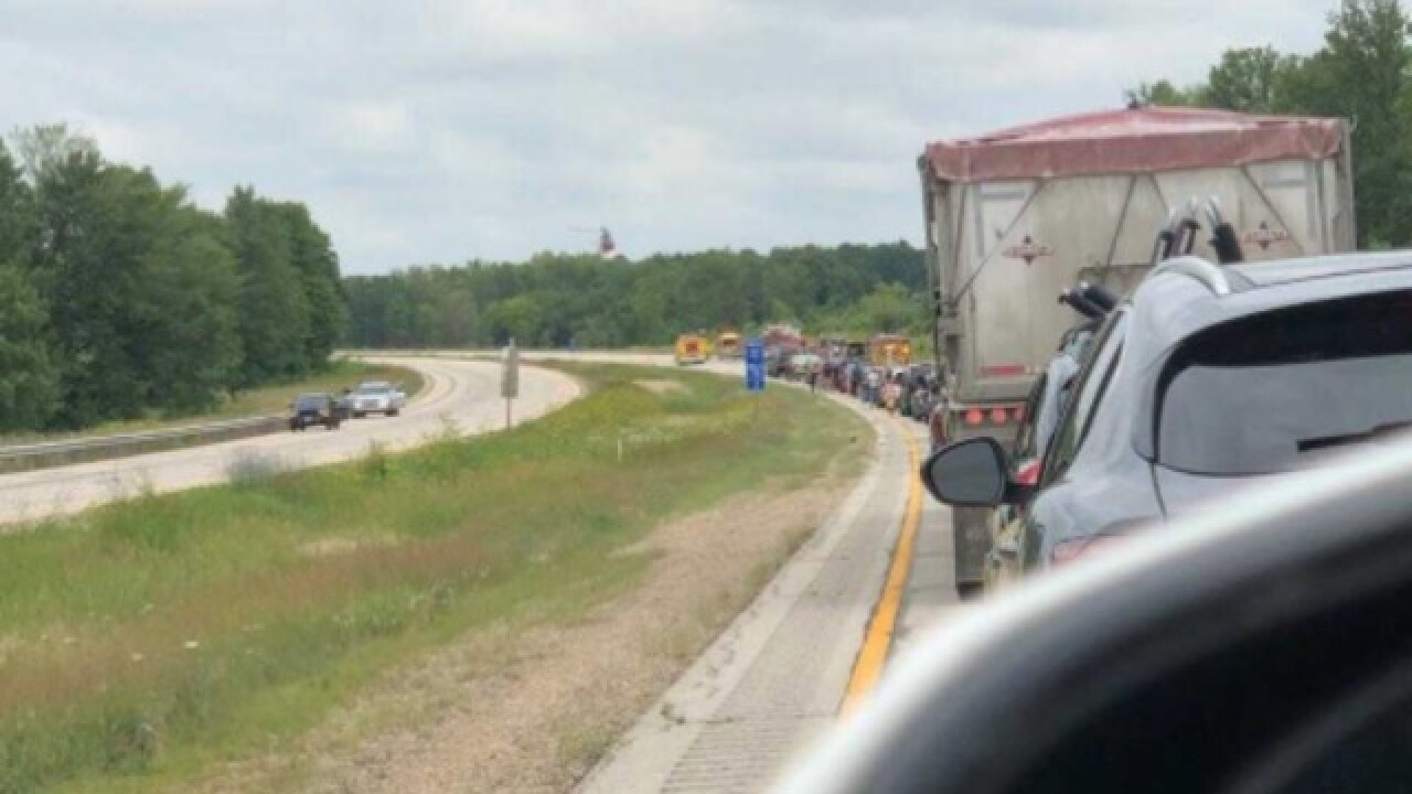 I-41 closed in Washington Co. due to crash