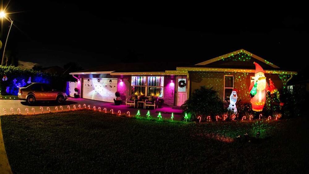 WPTV-CHRISTMAS-HOUSE-1.jpg