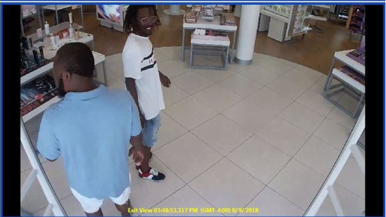 Suspects sought in beauty store theft in Cape