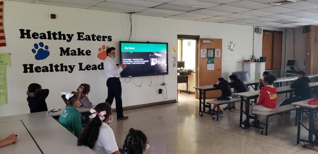 Bradely Benoit visits Eunice Elementary students 3.jpg