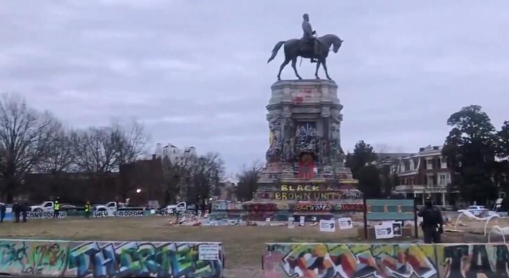 Lee Monument Jan 25 2021.jpg